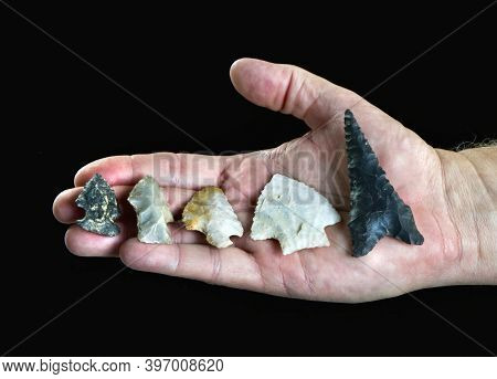 A Hand Full Of Real Texas Arrowheads Made Around 7000 Years Ago.