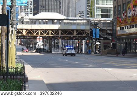 Chicago, Il April 11, 2020, Car Accident Underneath The Chicago Elevated Train Tracks On State Stree