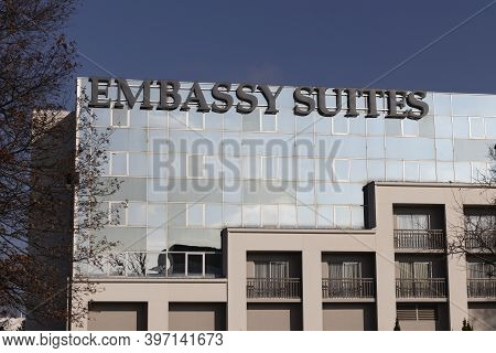 Blue Ash - Circa November 2020: Embassy Suites By Hilton Property. Embassy Suites Is A Chain Of Upsc
