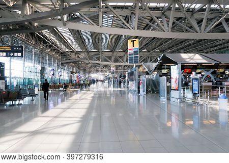 Bangkok, Thailand - November 25, 2020 : Atmosphere In The Airport At Suvarnabhumi Airport During Cov