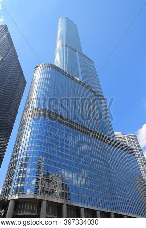 Chicago, Usa - June 28, 2013: Trump International Hotel & Tower In Chicago. It Is 423m Tall And Was