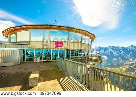 Schilthorn, Murren, Switzerland - Aug 19, 2020: Revolving Restaurant Piz Gloria With 360 View At Sum