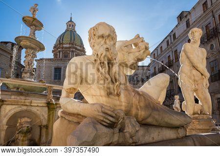 Monumental Palermo Praetorian Fountain or Fontana Pretoria in centre of Piazza Pretoria in Palermo, Sicily, Italy.