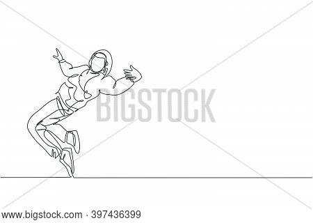 Single Continuous Line Drawing Of Young Energetic Hip-hop Dancer Man On Hoodie Practice Break Dancin