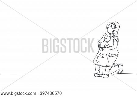 One Continuous Line Drawing Of Young Happy Mommy Hugging Her Lovely Daughter Full Of Warmth At Home.