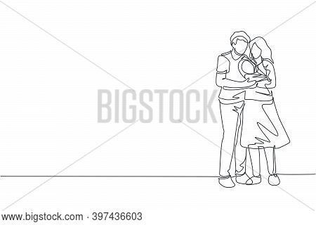 Single Continuous Line Drawing Of Young Happy Mom And Dad Holding And Hugging Their Baby Together Fu