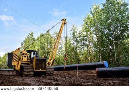 Installation Natural Gas Pipeline. Crude Oil Pipes Installation For Transporting Fuel Supplies To Ho