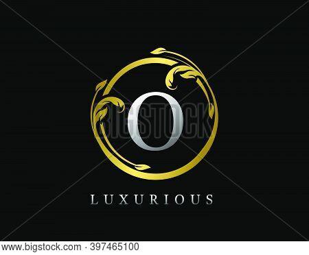 Luxury Circle Letter O Floral Design. Vintage Gold O Swirl Logo Icon.