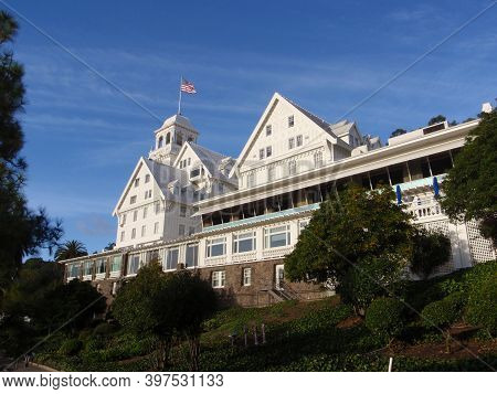 Berkeley - November 4, 2008: Historic Claremont Hotel At The Foot Of Claremont Canyon In The Berkele