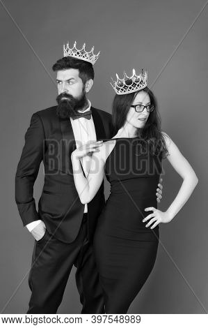 Famous Person. We Are Family. Royal Bond. Attractive Queen And Big Boss Enjoy Luxury. Business Coupl