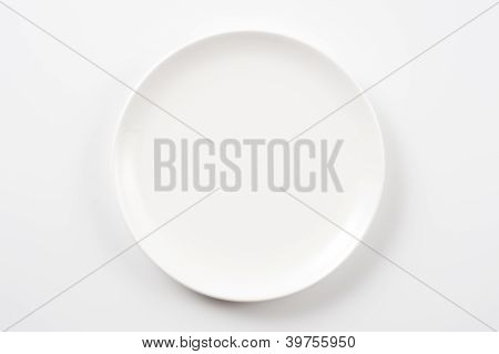 white pottery dish