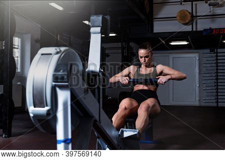 Young Active Strong Fit Sweaty Powerful Attractive Muscular Woman With Big Muscles Doing Hard Core R