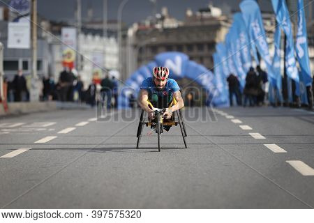 Istanbul, Turkey - November 08, 2020: Paralympic Athlete Running In 42. Istanbul Marathon Which Incl
