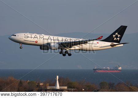 Istanbul / Turkey - March 28, 2019: Star Alliance Turkish Airlines Airbus A330-200 Tc-lnb Passenger