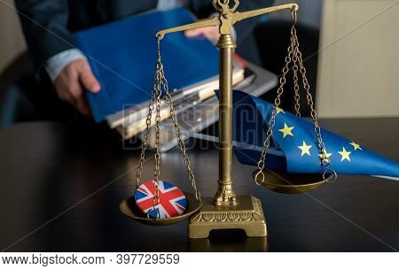 Brexit European Union Flag Great Britain Icon Pin Scales Workplace Lawyer