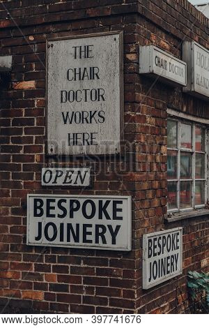 Rye, Uk - October 10, 2020: Signs Outside A Chair Doctor Bespoke Joinery In Rye, One Of The Best-pre