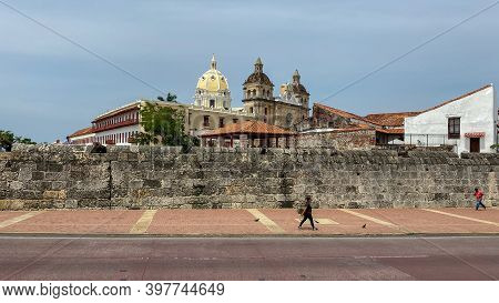 Cartagena, Columbia - November 5, 2019: A View Of The Wall That Surrounds The Old Town Of Cartagena,