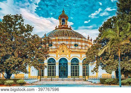 Building Lope The Vega Theater (teatro Lope De Vega) And Exhibit