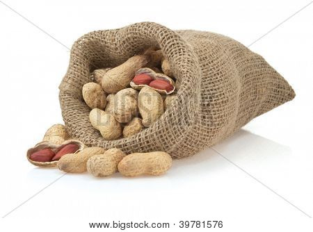 nuts peanuts isolated on white background