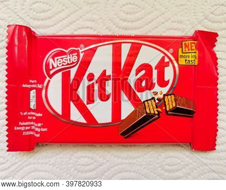Nestle Kit Kat Chocolate Bar Coated Cream Filled Wafer Snack. Kit Kat Is Produced By Nestle Company.