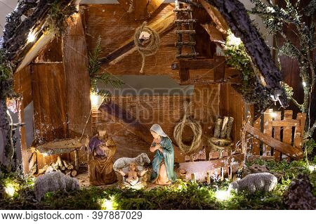 Beautiful Christmas Nativity Scene With Holy Family, Italian Typical Presepio In A Handmade Wooden O