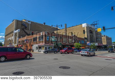 August 4th, 2020, Chicago, Il Uptown Theater Exterior Under A Clear Blue Sky