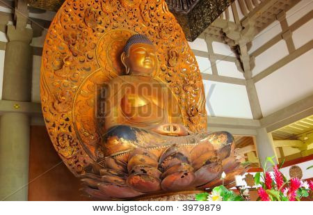 Byodo-In Buddha