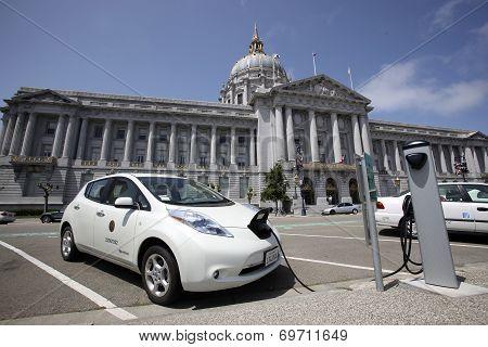 Electric Car Charging, San Francisco City Hall