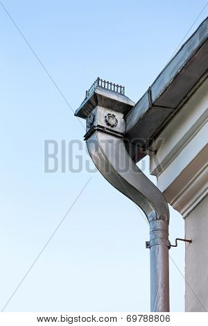 Decorative Rooftop Gutter