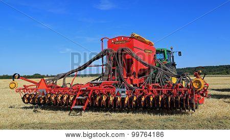 Vaderstad Spirit 600C Seed Drill And John Deere 7340 Tractor