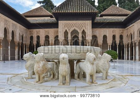 Alhambra - lions Fountain in Granada, Spain