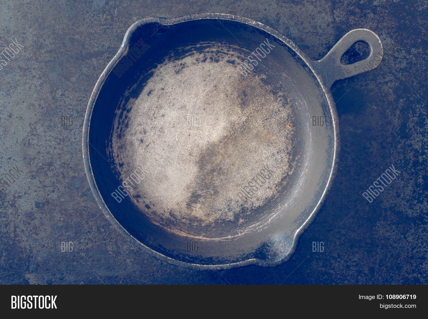 Old Black Pan Top View Image Photo Free Trial Bigstock
