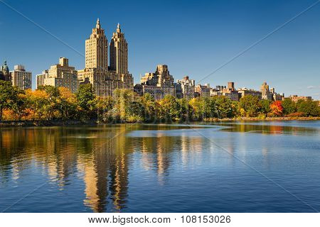 Central Park Reservoir, Fall Foliage And Upper West Side. Manhattan