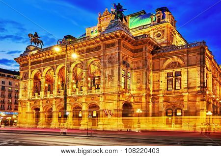 Vienna,austria-september 10, 2015: Vienna's State Opera Is An Opera House.it Is Located In The Centr