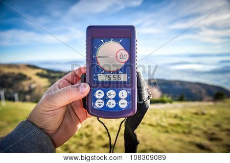 Digital Altimeter For Paragliding Or Parachute