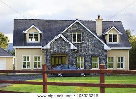 Beautiful residential country houses in Ireland