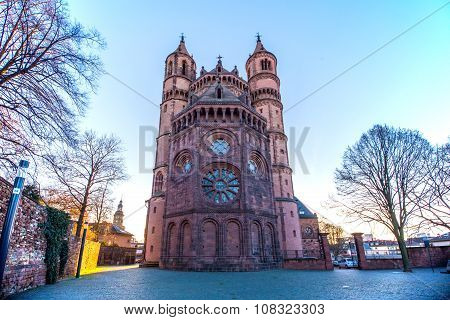 New-Romanesque Cathedral in Worms, Wormser Dom