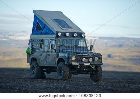 Land Rover Defender overland camper