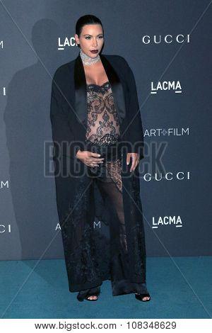 LOS ANGELES - NOV 7:  Kim Kardashian at the LACMA Art + Film Gala at the  LACMA on November 7, 2015 in Los Angeles, CA