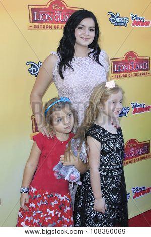 LOS ANGELES - NOV 14:  Ariel Winter, nieces at the