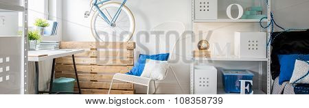 Blue Details In Contemporary Interior