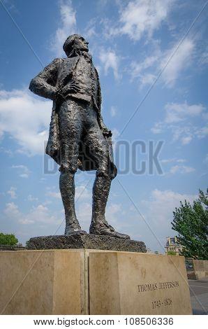 Statue of Thomas Jefferson in Paris