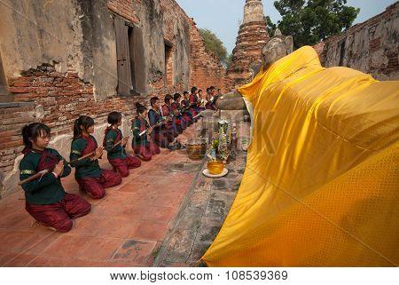 Ancient Warrior Make A Pilgrimage To Reclining Buddha.