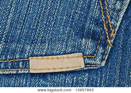 Etiqueta de cuero pequeña en blanco