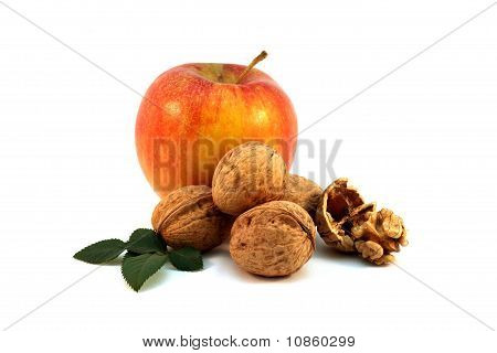 Apple and walnuts