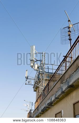 Antennas Of Mobile Cellular Systems