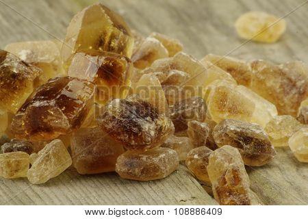 Brown candied sugar