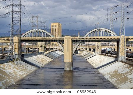 The Sixth Street Viaduct And Los Angeles River In Dowtown Los Angeles