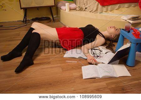 Strangled College Girl In A Room