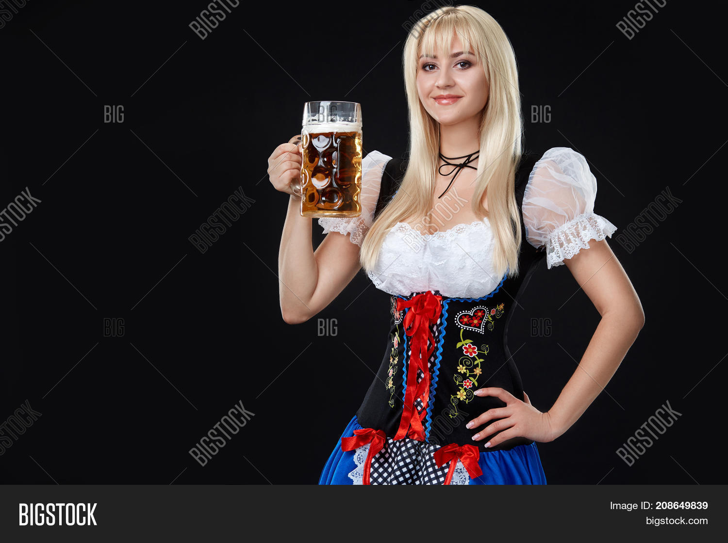 sexy-dirndl-free-pics-jerk-off-with-the-neighbour-photos